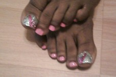 Shellac Pedi with Junk'd Out Toes
