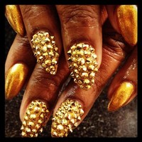 Oprah the nail girl's photo