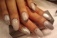 Soak off gel polish with nail art
