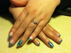 Gel polish with glitter