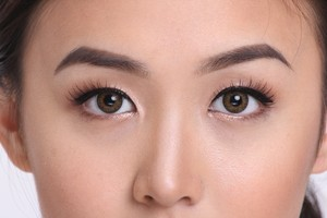 Bridal romantic Asian eyes